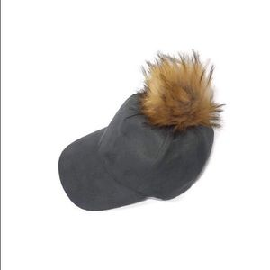 D&Y - gray suede hat with pompom